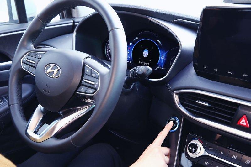 Hyundai revela la primera tecnología inteligente de huellas dactilares y de carga automatizada - hyundai-primera-tecnologia-inteligente-de-huellas-dactilares_6