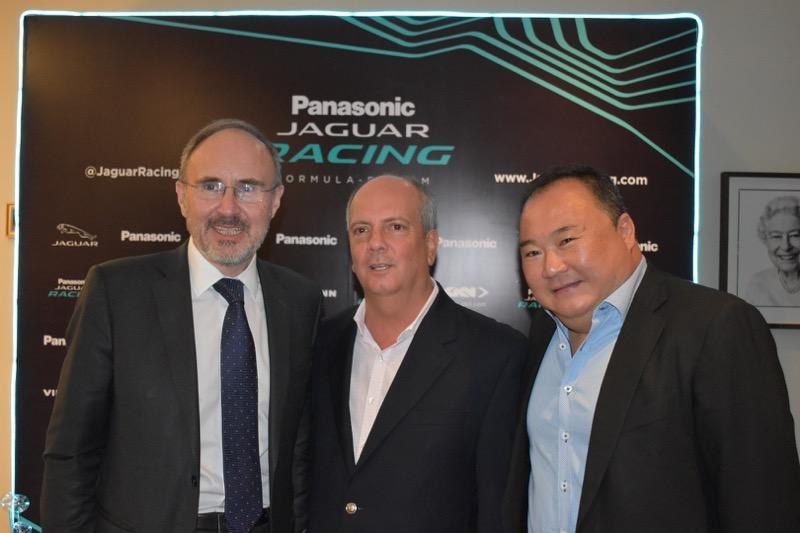 La Residencia Británica en México, recibe al equipo Panasonic Jaguar Racing - equipo-panasonic-jaguar-racing_5