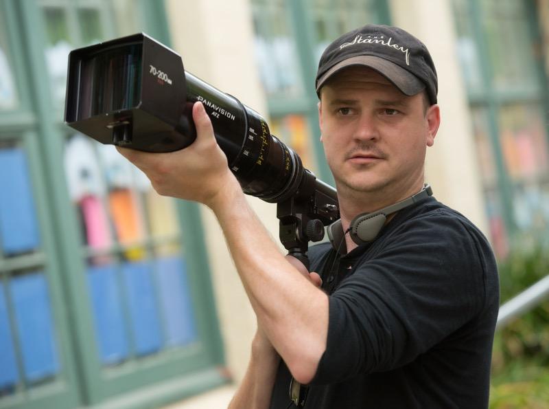 Netflix cierra acuerdo exclusivo con Mike Flanagan y Trevor Macy creadores de la maldición de Hill House - flanaganheadshot-800x595