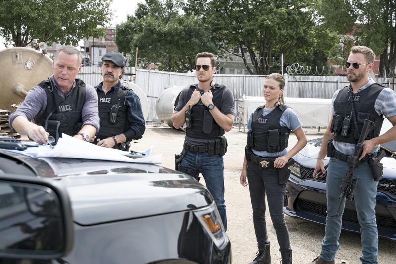 Universal TV presentará el primer crossover entre Chicago PD y Chicago Fire el 1 de Abril - 2-chicago-pd-universal-tv