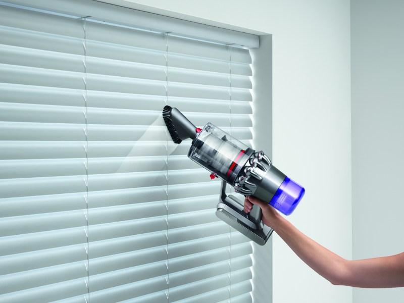 Dyson trae a México nueva gama de purificadores de aire, lámpara que cuida tu visión y aspiradora inteligente - aspiradora-inteligente-sin-cable-dyson-v11-absolute_1