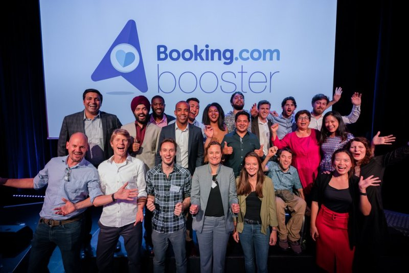 Booking.com reveló las 10 startups que participarán en su programa Booking Booster 2019 - booking-booster