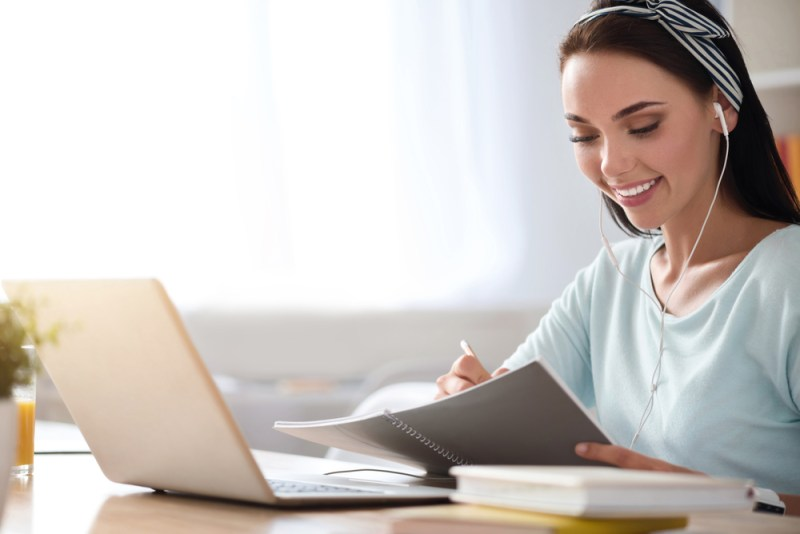 ¿Qué debe tener un buen curso en línea? - curso-en-linea-800x534