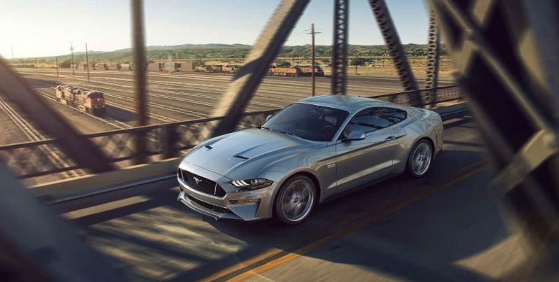 Ford México inicia los festejos por el 55 aniversario del Mustang - ford-mustang-2019-auto-deportivo-leyenda-muscle-exterior-color-gris-puente-ruedas-800x403