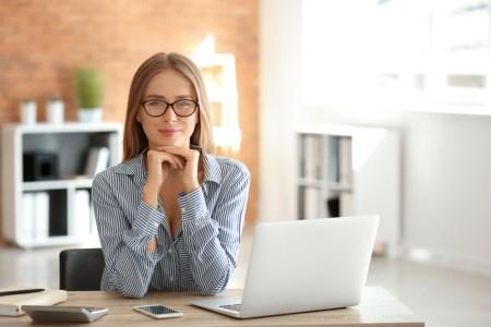 ¿Mamá de tiempo completo? Explora cursos en línea para generar ingresos extra