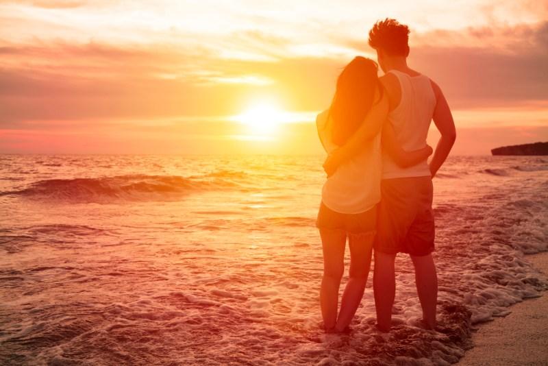 Amor de verano ¿cómo se enamoran los viajeros mexicanos? - amor-de-verano-800x534