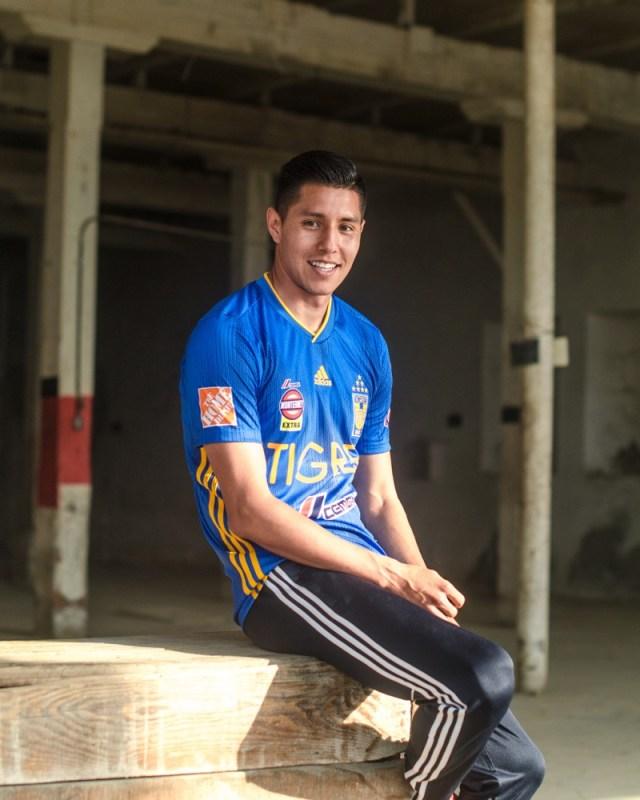 adidas presenta Jerseys de Tigres local y visitante para la temporada 2019-2020 - jersey_tigres_4-640x800