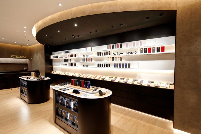 Samsung Store Perisur premiada por la revista a! Diseño - samsung-store-perisur-evista-a-disencc83o_1-800x533