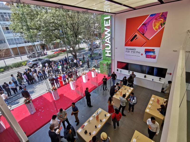 Huawei inaugura 9 nuevas Huawei Experience Stores en México - huawei-experience-store_4-800x600