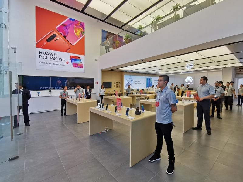 Huawei inaugura 9 nuevas Huawei Experience Stores en México - huawei-experience-store_5-800x600