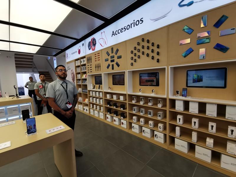 Huawei inaugura 9 nuevas Huawei Experience Stores en México - huawei-experience-store_7-800x600