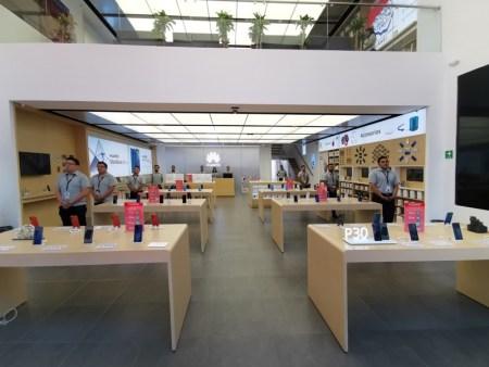 Huawei inaugura 9 nuevas Huawei Experience Stores en México