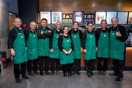 Starbucks cumple 17 años en México