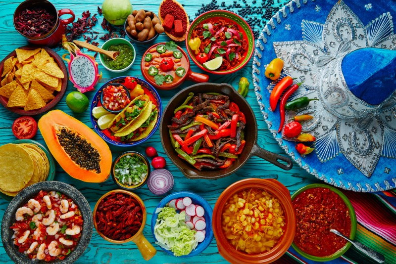 4 cosas que necesitas para tener una Noche Mexicana a lo grande - comida-mexicana-800x534