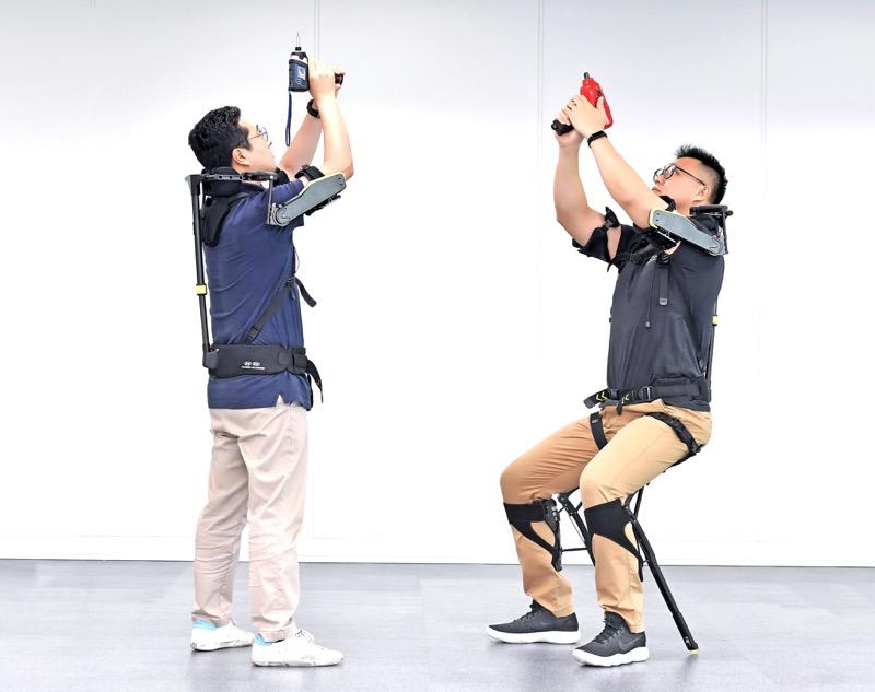 Hyundai desarrolla exoesqueleto, un chaleco portable para auxiliar la carga en el trabajo - vest-exoesqueleto-vex-hyundai_2