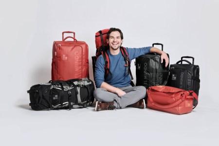 Cloe y Alan x el Mundo se unen para crear la colección de equipaje: Oe x El Mundo