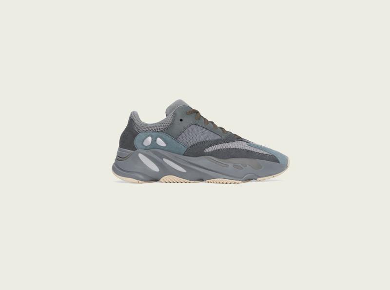 adidas + KANYE WEST anuncian el lanzamiento del YEEZY BOOST 700 Teal Blue - yeezy_boost_700_teal_blue_right-800x595