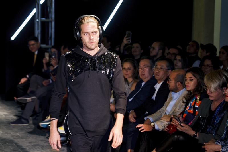 "Pasarela ""Libera tu música"" de Panasonic rompe la barrera entre los gadgets y la moda - libera-tu-musica-panasonic_1"