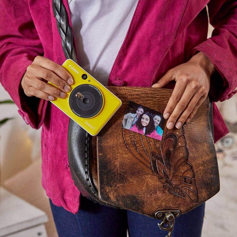Canon lanza nuevas cámaras instantáneas: Zoemini S y Zoemini C - zoemini-c-lifestyle