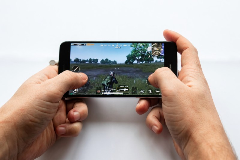 ¿Qué necesitan los gamers? Velocidad + seguridad - gamer-movil-800x534
