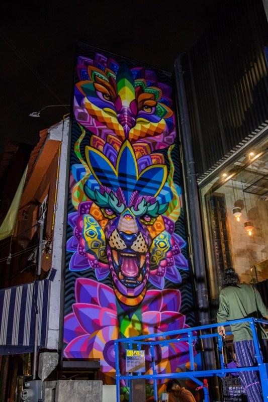 adidas México develó nuevo mural, en colaboración con el artista Farid Rueda - adidas-originals-flagship-store-mexico-1