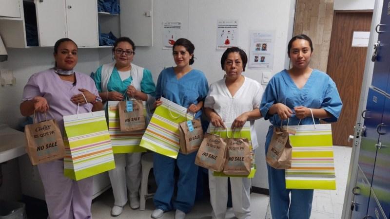Nutrisa y Cielito Querido Café reconocen la labor del personal de salud - entrega-a-enfermeras-2