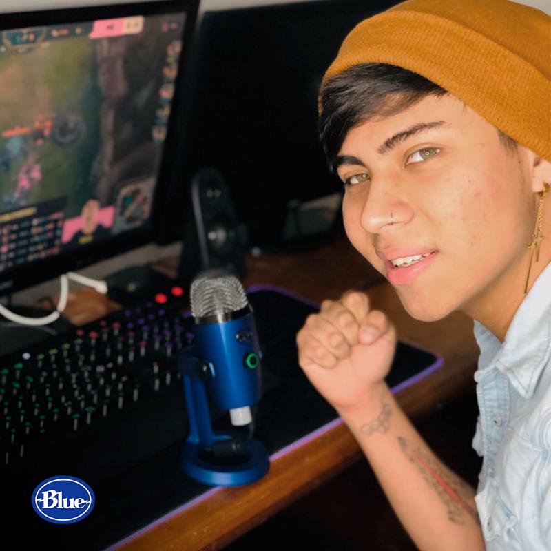Casters, narrador de eSports ¡la profesión del futuro en México! - casters-blue-yeti-nano-edward-crush