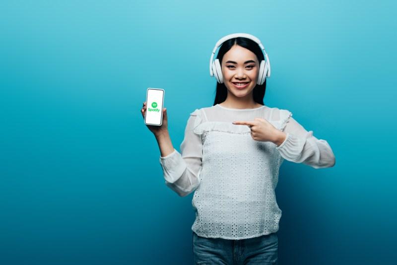 Spotify revela nuevas tendencias durante el distanciamiento social - spotify-tendencias-distanciamiento-social-800x534