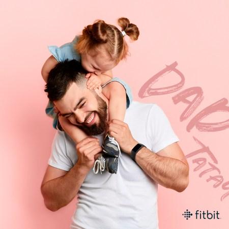 Fitbit te brinda las mejores opciones para regalar en este día del Padre