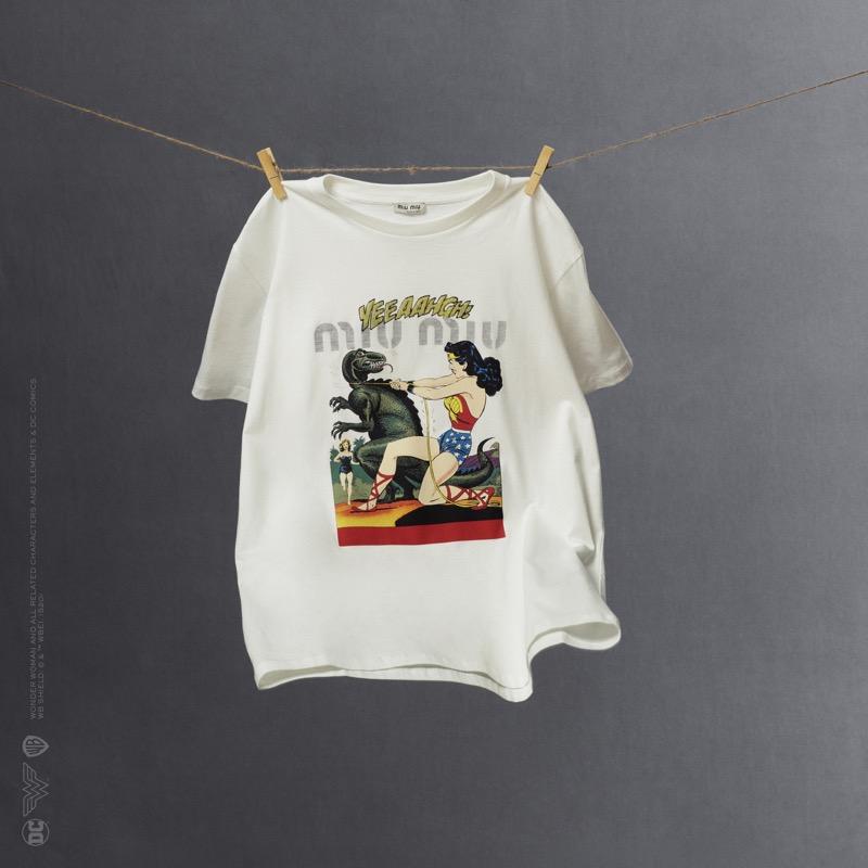 Miu Miu Wonder Woman: colección cápsula de playeras - miumiu_wonder-woman-tshirts-capsule-collection_06