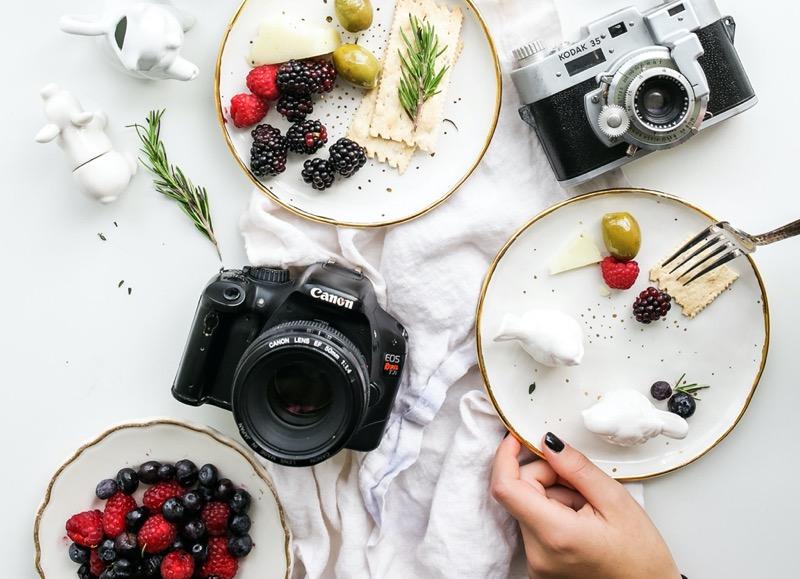 ¿Creadores de contenido o Influencers? 4 claves para diferenciarlos - creadores-de-contenido-influencers_3-800x579