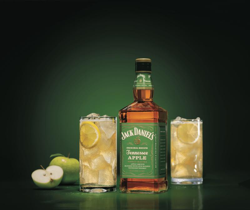 Jack Daniel's lanza en México: Jack Daniel's Tennessee Apple - jack-daniels-manzana-800x672