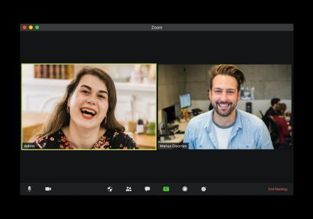 ¿Qué hacer y qué no durante una videollamada laboral?