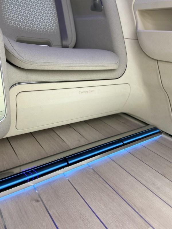LG y Hyundai presentaron IONIQ Concept Cabin ¡conoce sus características! - lg_hyundai_ioniq_1-600x800