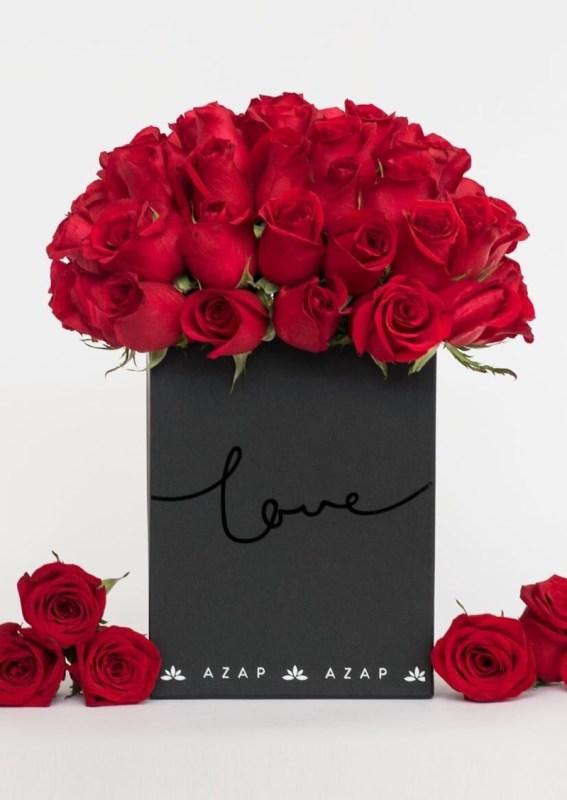 Las mejores flores para regalar o para decorar tu propio espacio - rosas-rojas-cdmx-azap-567x800