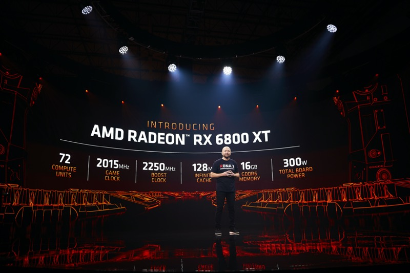 AMD presentó las Tarjetas Gráficas AMD Radeon RX Serie 6000 - scott-herkelman_on-stage_2-800x533
