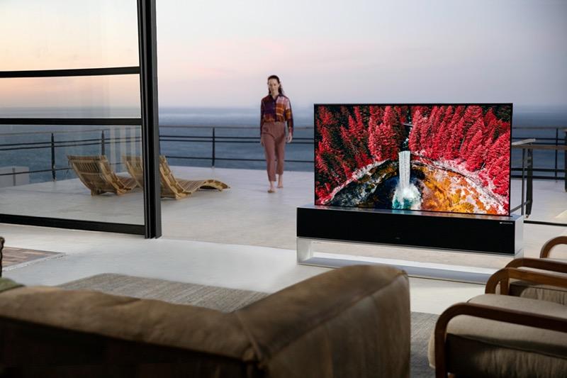 LG lanza al mercado el primer y único televisor enrollable del mundo - televisor-enrollable_lg-800x533