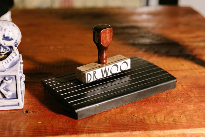 UGG celebra FEEL____ con DR. WOO - ugg_dr_woo-aw20-ugg-feel-ambassador-dr-woo-environmental-6-800x534