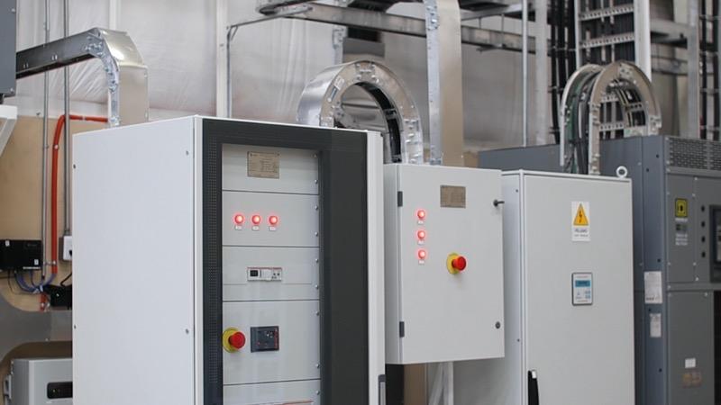 VIAM Manufacturing se une a la tendencia en energía fotovoltaica de la mano de Panasonic México - viam_manufacturing_panasonic_sala-de-control