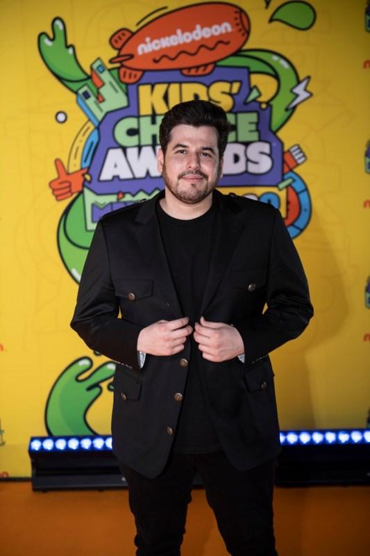 Ganadores de los Kids' Choice Awards México 2020 - kids-choice-awards-mexico-2020_kca-mexico-2020-alfombra-naranja-chino-lemus079-533x800