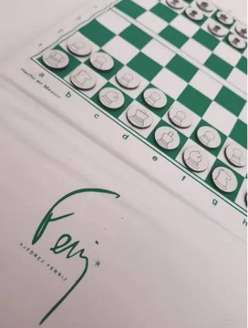 La serie Gambito de Dama dispara las ventas de ajedrez en Mercado Libre - ajedrez-mercado-libre_tablero-de-bolsillo