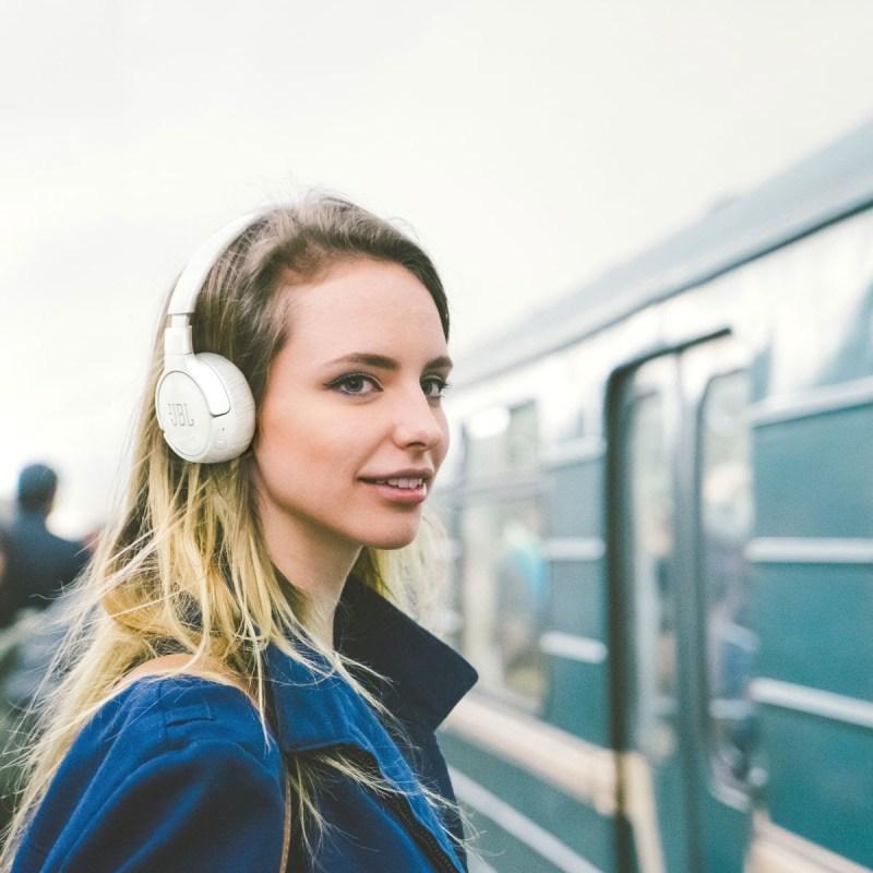 ¿Qué audífonos necesitas este 2021 según tu estilo de vida? - audifonos_jbl_2021