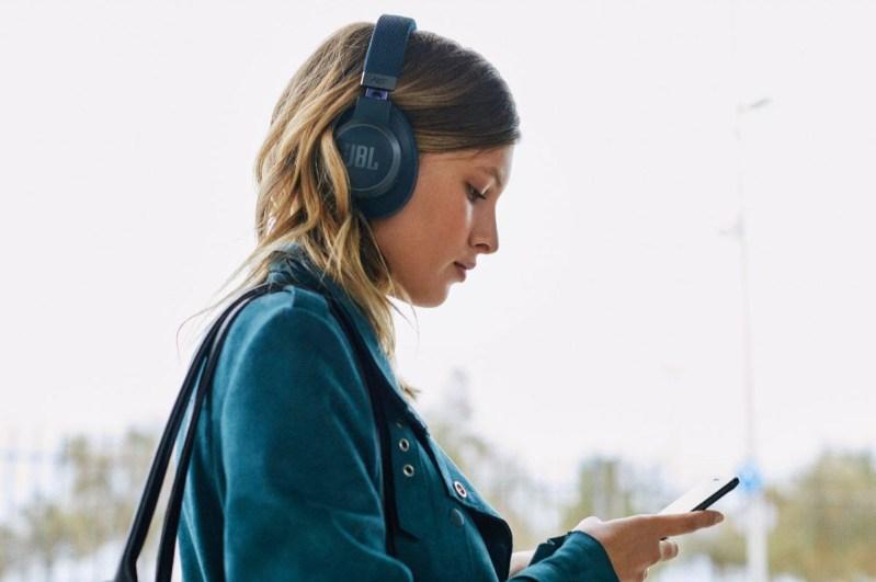 ¿Qué audífonos necesitas este 2021 según tu estilo de vida? - jbl_live_650btnc