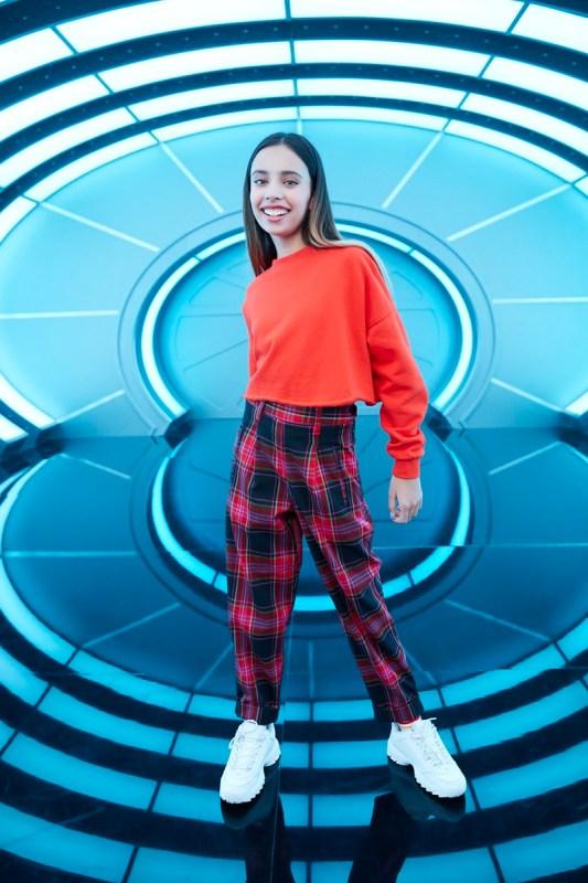 Disney Channel presenta nuevos episodios de Gabby Duran: niñera de aliens - gabby-duran-ninera-de-aliens-1-533x800