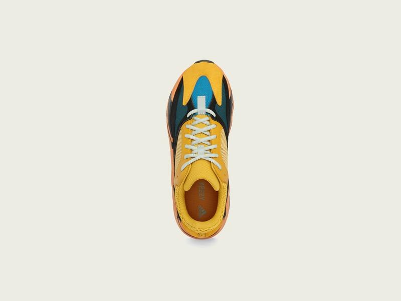 adidas + KANYE WEST lanzan YEEZY BOOST 700 SUN - yeezy-boost-700-sun-top-pr72