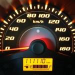 ¿Tu coche llegó a los 100 mil kilómetros? Debes tomar precauciones
