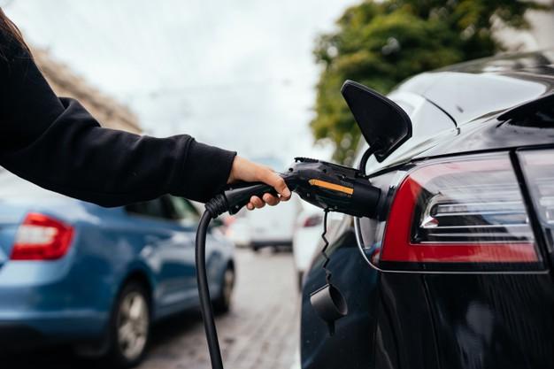 ¿Cuáles son las diferencias entre un auto eléctrico, híbrido y de gasolina? - auto-electrico