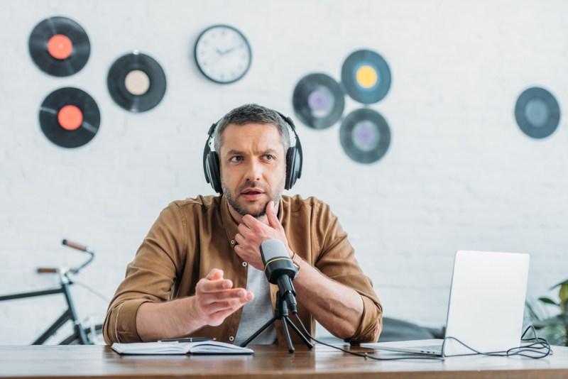 Marketing para podcast: 7 claves para promocionarlo con éxito - marketing-para-podcast-800x534
