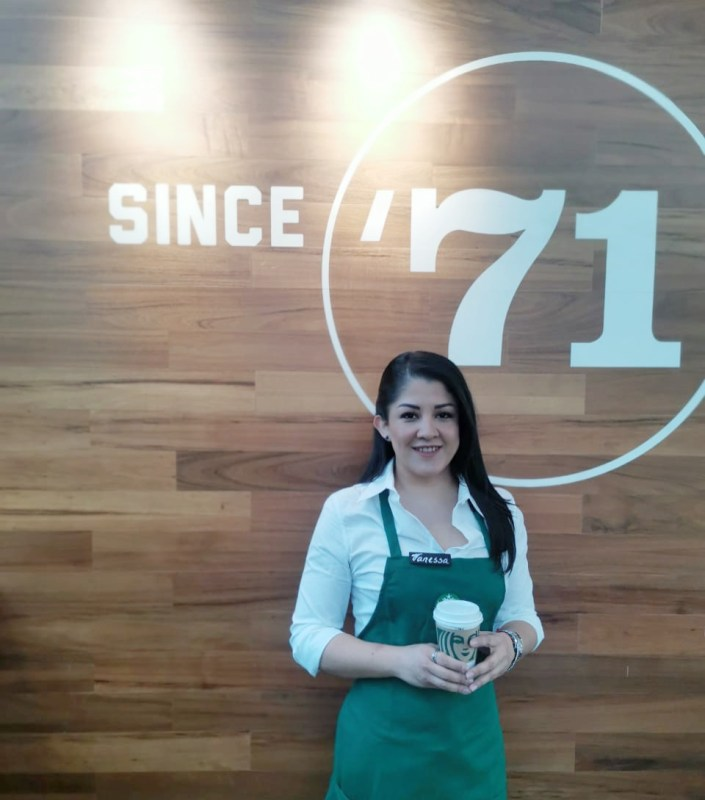 Starbucks: Mujeres que cultivan la resiliencia - sony-reconocida-empresas-mas-eticas-del-mundo-2021-vanesa-carreno-705x800