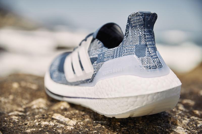 Ocean Store, una iniciativa con la que adidas trajo la problemática que existe en los océanos a la ciudad - ultraboost-21-prime-blue-adidas-1